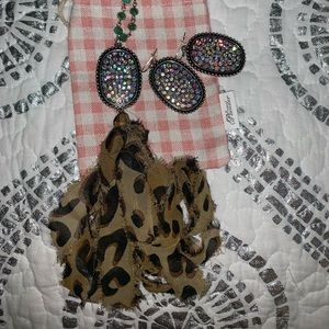 Plunder set tassel necklace & bling earrings